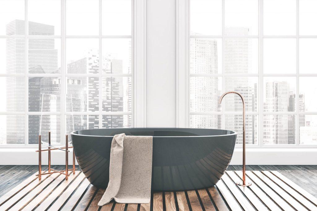 bathroom-big-windows-city-view