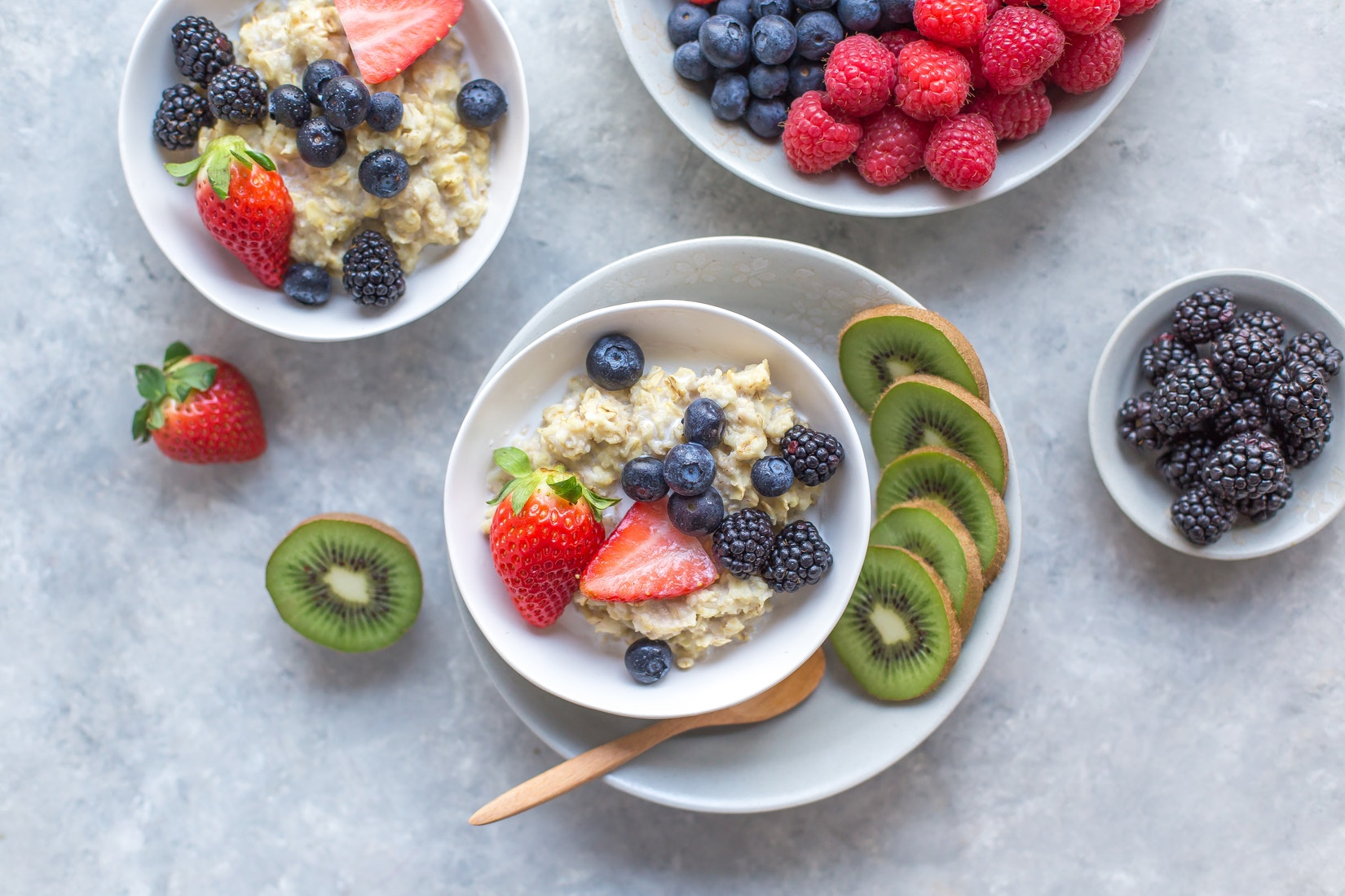 oatmeal with fruit healthy food