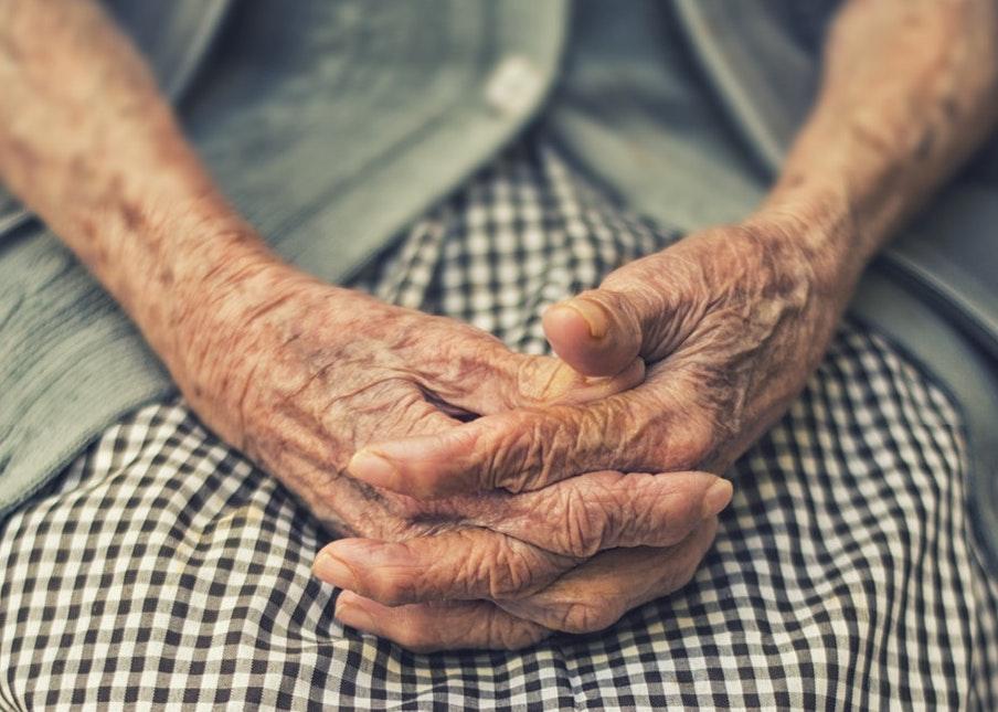 wrinkles hands